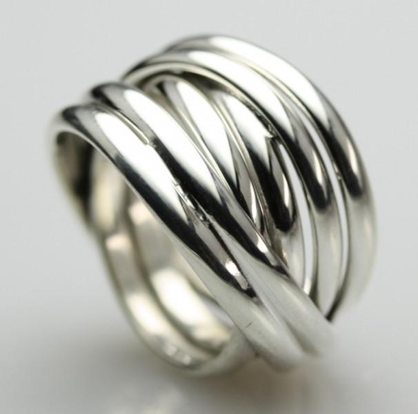Silberringe  Breiter in sich verschlungener 925 Silberring Design Ringe Design ...